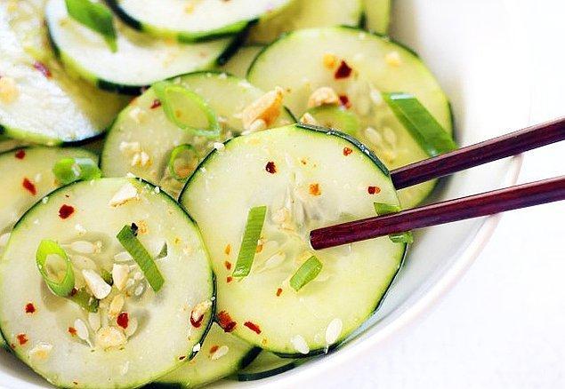 11. Salatalık Salatası Tarifi