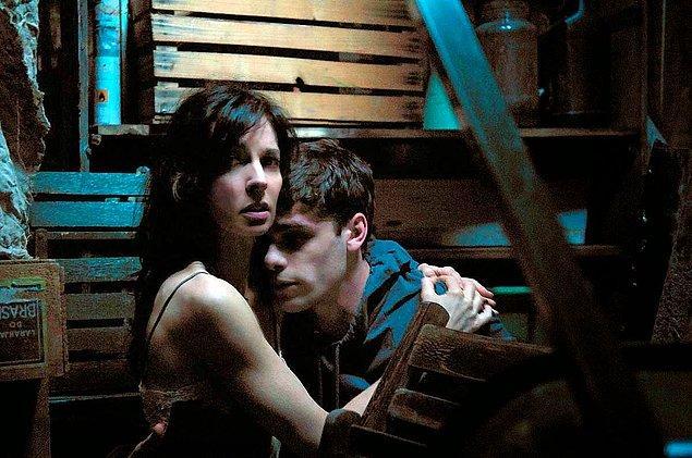 4. Dans Ton Sommeil (2010)   IMDb: 5.7