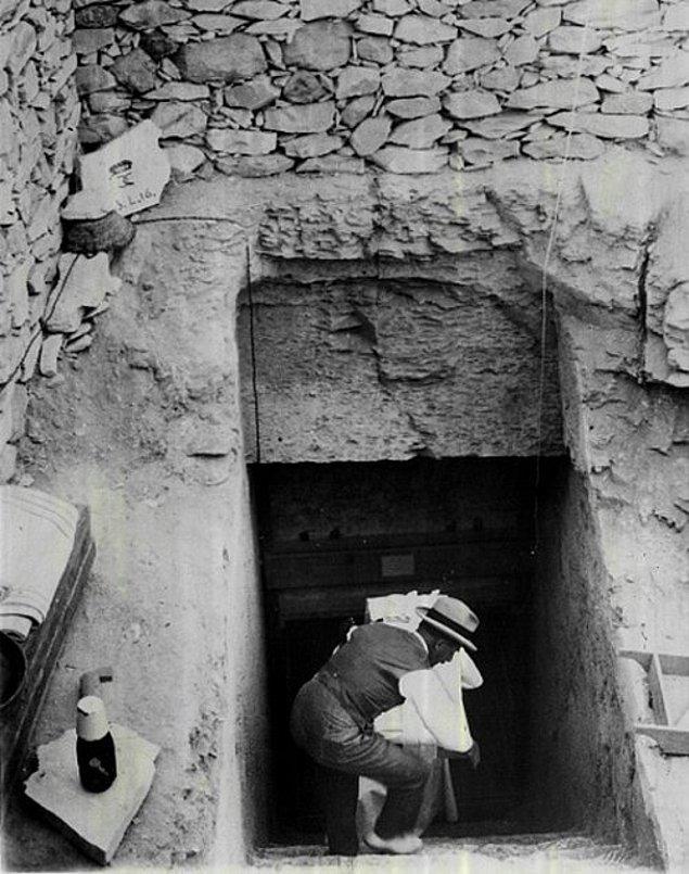 7. Tutankhamun'un mezarına inen merdivenler.