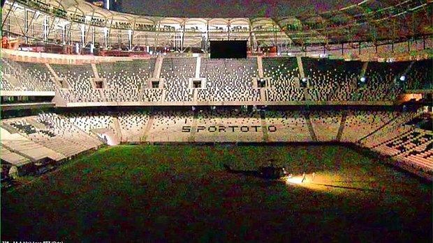 Darbecileri Vodafone Arena'ya Kadın Pilot İndirmiş