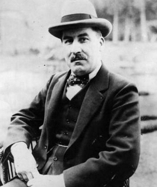 5. Tutankhamun'un mezarını 1922 yılında Howard Carter adındaki Mısır bilimci bulmuştur.