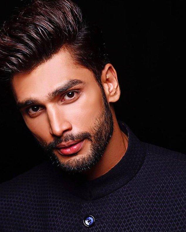 Karşınızda dünyanın en yakışıklı erkeği: Rohit Khandelwal!
