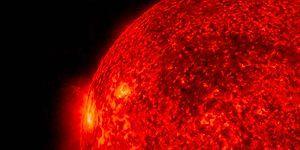 NASA, Güneş'te Meydana Gelen Patlamalara Ait Yeni Görüntüler Yayınladı