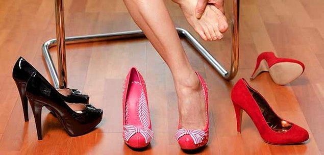 5. Satın aldığınız ayakkabılar ayağınızı sıkıyor ise onları bir kaç dakika buhara tutun.
