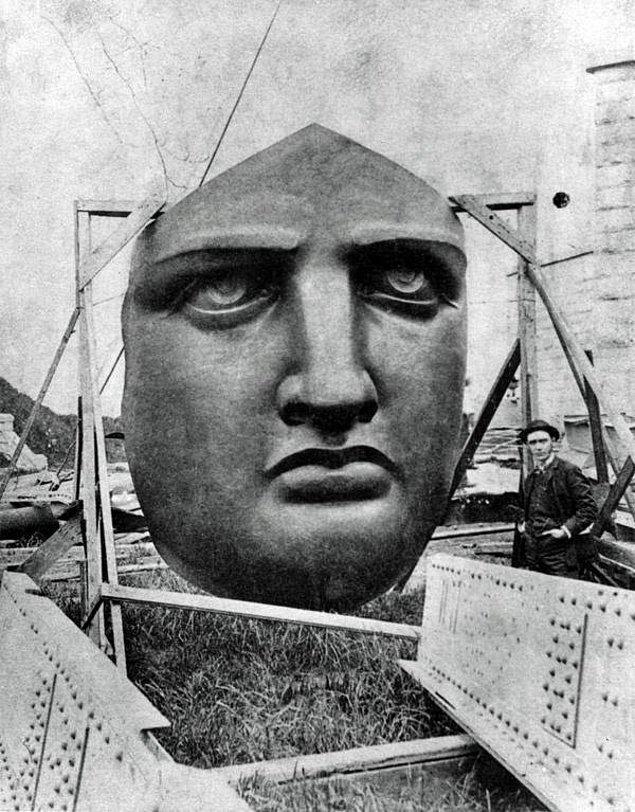 9. Özgürlük Anıtı parçalarının bulunduğu kasaların açılması, 1885.