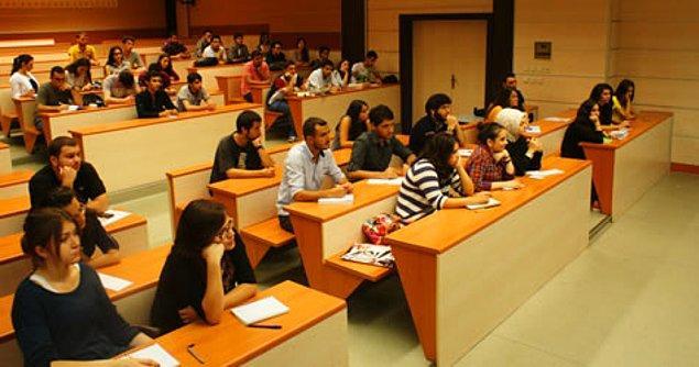 4. İyi bir üniversite, Birleşmiş Milletler binası gibidir. Farklı ülkelerden öğrencileri vardır. Bu sayede, seni o bilgisayarın başından kaldırır, farklı kültürlerle tanıştırır.