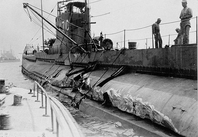 USS-İndianapolis Batıyor