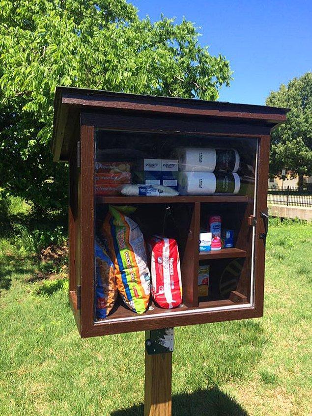 Şehrindeki ücretsiz kitap dolaplarının arttığını fark eden Jessica'nın aklına, ondan daha bile güzel bir fikir geldi.