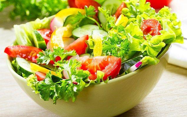 1. Efendim öncelikle salatalar güzeldir. İyi bir tamamlayıcı, hafif ve lezzetli bir sofra unsurudur.