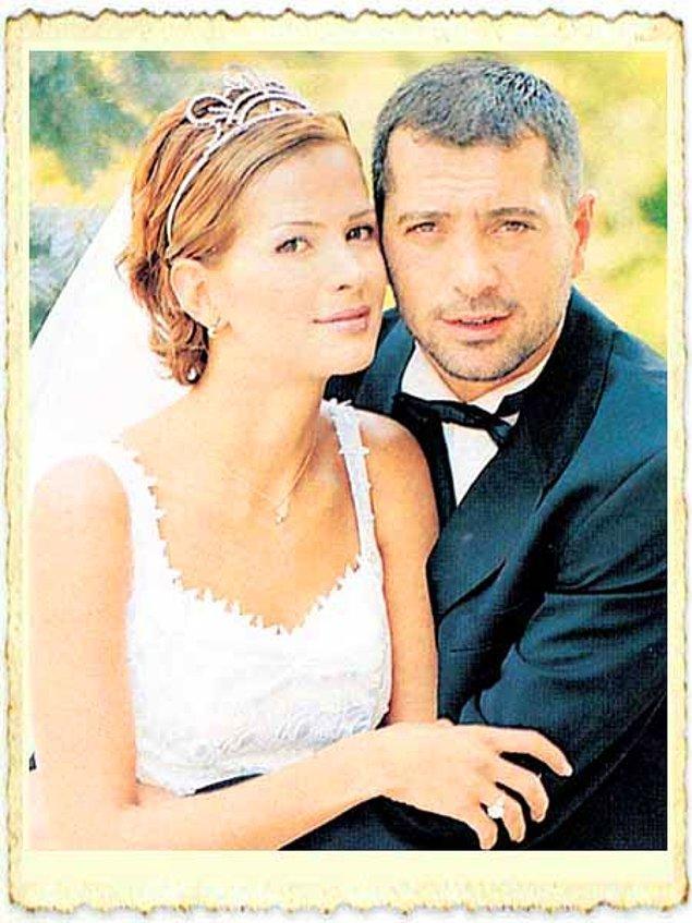 Uzun yıllar böyle giden ilişki iki çocuktan sonra nihayet mutlu sona ulaştı ve Erdal Acar Emel Yıldırım'la evlendi.
