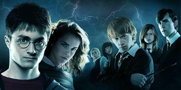 """10. Harry Potter kitaplarındaki en çok kullanılmış cümle şu: """"Hiçbir şey olmadı."""""""