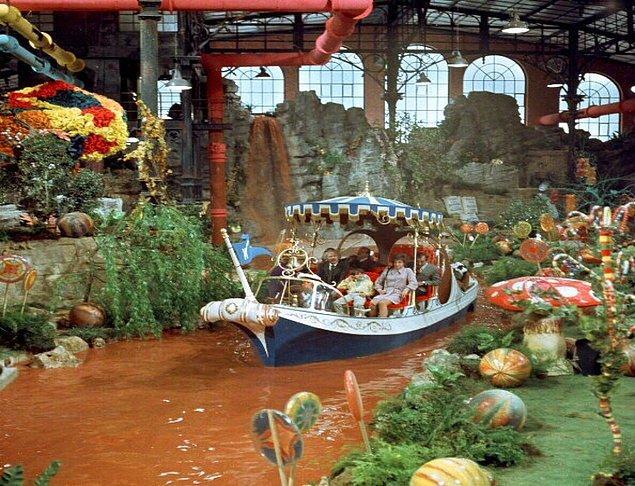 6. Çikolata Fabrikası - Charlie'nin Çikolata Fabrikası