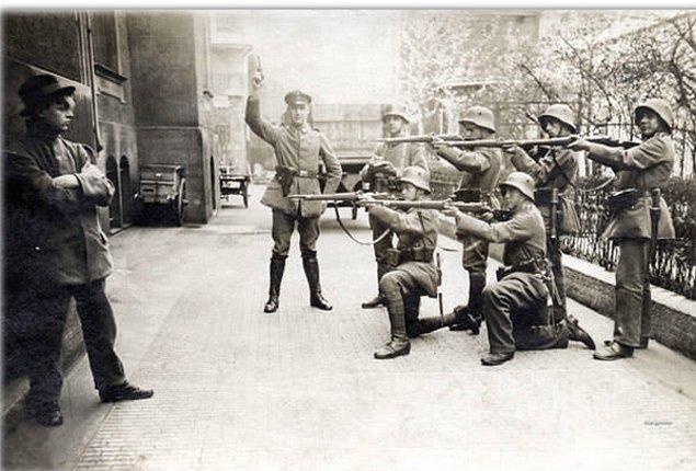 18. 1919 senesinde Münih'te infaz edilen Alman bir komünist.