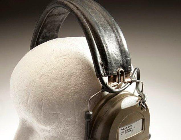 16. Kurşun geçirmez kulaklık