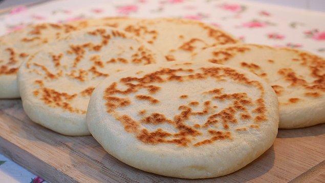 10. Evde sıcacık yapılan en güzeli de bir ninenin elinden çıkan şu aşağıdaki ekmek hangisi ola ki?