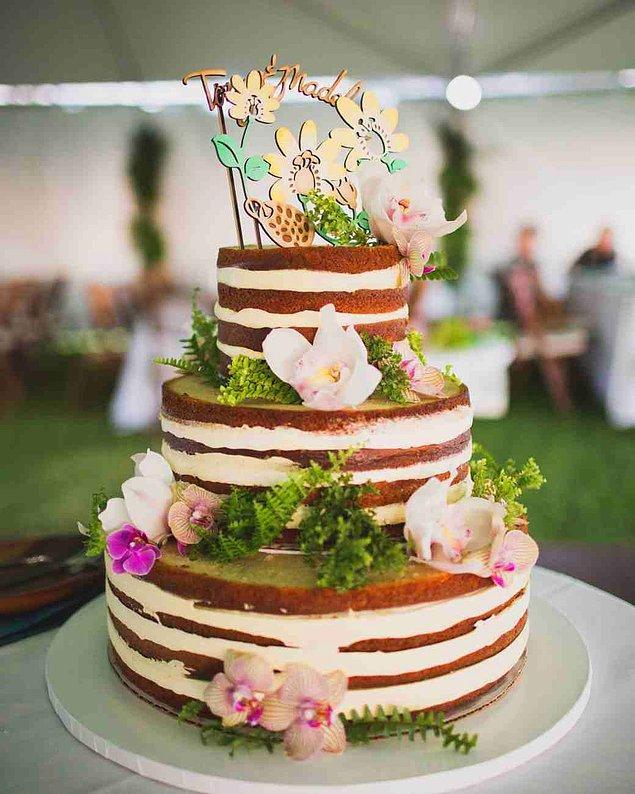 16. Resmen kek ve krema göz önünde!