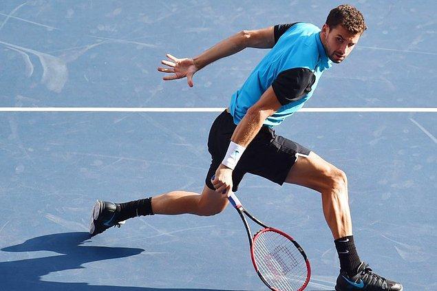 25 yaşında ve 1,90 boyunda bir tenisçi!