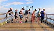 Amerika ve Kanada Seyahati Sırasında 100 Farklı İnsanla Çılgınca Dans Eden Adam