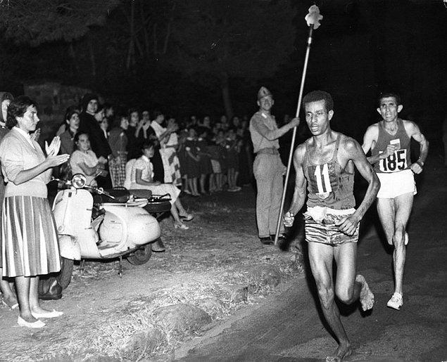 1960 Olimpiyatlarının yalın ayak şampiyonu.