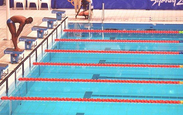 Hayatında hiç olimpik havuzda yüzmemiş bir sporcu.