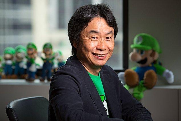 """5. """"Super Mario Bros."""" ve """"Donkey Kong"""" gibi efsane oyunların yaratıcısı olan Shigeru Miyamoto'nun işe bisikletle gidip gelmesine müsaade edilmemektedir."""