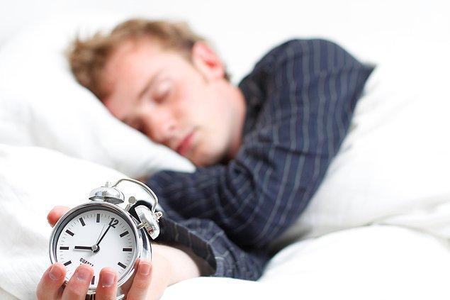 13. Dünya nüfusunun yalnızca %1-3'lük kısmı 6 saatin altında uykuyla yetinebilmekte ve fonksiyonel bir yaşam sürebilmektedir.