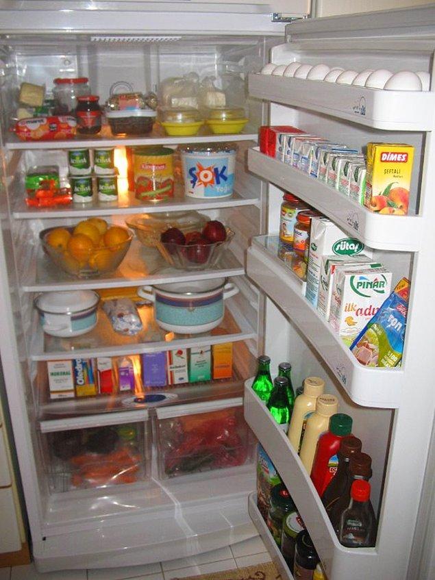 10. Bu arada evde olmadığımız için buzdolabını bir güzel temizlemek, çürüyecek şeyleri tüketmeye çalışmak ya da atmak ata sporlarımızdan birisi.
