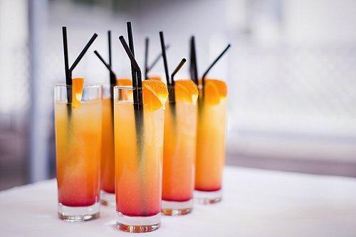Cowberries kokteyli: yazlık içecekler 86
