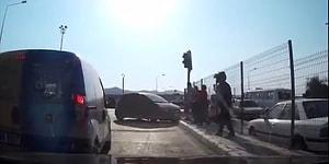 Trafikte Cam Silen Kişilere Sinirlenip Kriz Geçiren Şoför
