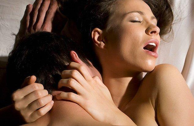 Orgazma daha kolay ulaşan kadınların seks esnasında ve sonrasında yaptıkları davranışlar oldukça benzer.