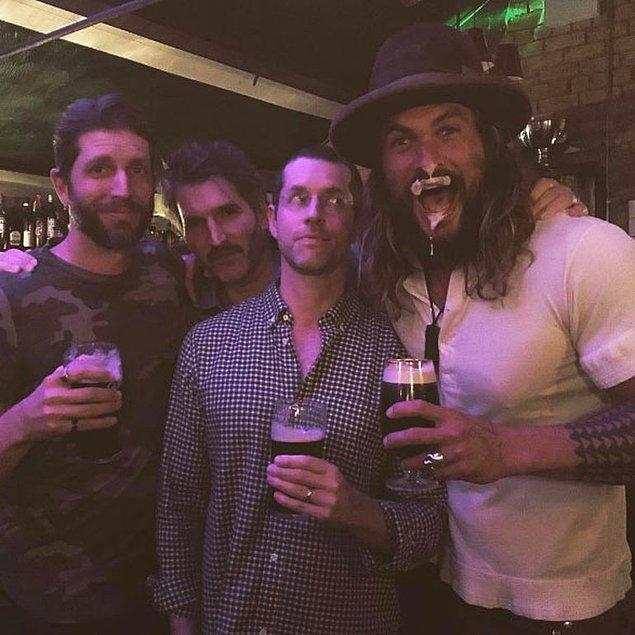 Jason Momoa'nın geçtiğimiz gün Instagram'da yaptığı paylaşım ise, birçok insana 'acaba Khal Drogo diziye geri mi dönüyor?' sorusunu sordurttu.
