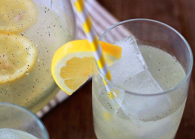 6. Pastadan kek her şeyin içinde vanilya sevenlerdenseniz işte bu da limonata hali!