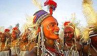 Wodaabe Kabilesi'nde Erkeklerin Makyaj Yapıp Birbiriyle Yarıştığı ve Kadın Eş Çalabildiği Festival
