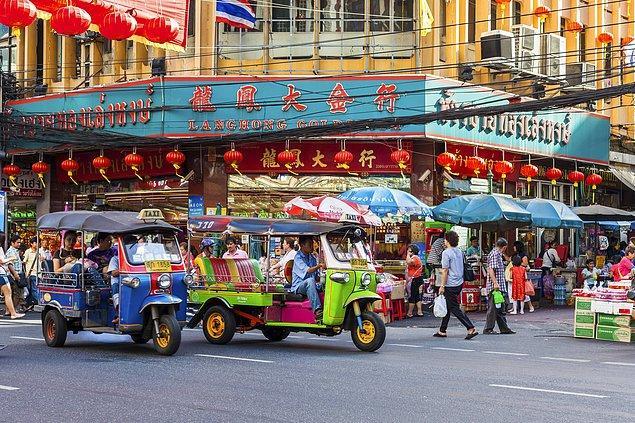 1. Tayland'ın taksi niyetine kullandığı triporter: Tuktuk