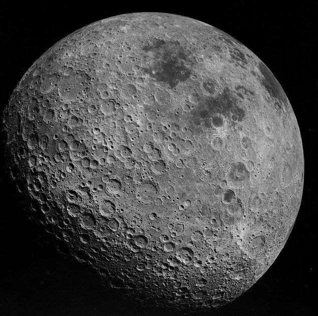 8. Ay'ın karanlık yüzü sanıldığı gibi hep karanlık değildir. Bu yüz de bizim gördüğümüz diğer yüzü gibi Ay'ın safhalarını geçirmektedir.