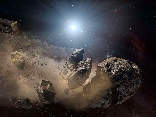 14. Nükleer silahların bir asteroidi tuzla buz edebilecekleri doğru değildir. Bir asteroide bu şekilde saldırarak sonuçları yok edemez, yalnızca daha kötüye götürürüz. Bu yüzden filmlerde gördüğümüz dünyayı kurtarma sahneleri maalesef gerçeklikten oldukça uzaktır.