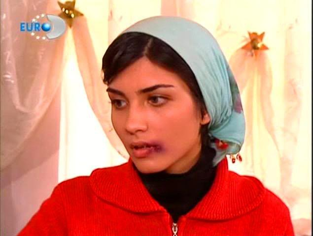 20. Tuba Büyüküstün / Sultan Makamı (2003)