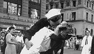 İkinci Dünya Savaşı'nın Sembolü 'Öpüşme Fotoğrafı'ndaki Hemşire Yaşama Veda Etti
