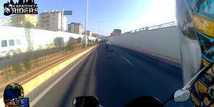 Yol Vermeyen Arabanın Aynasını Kıran Motorcu