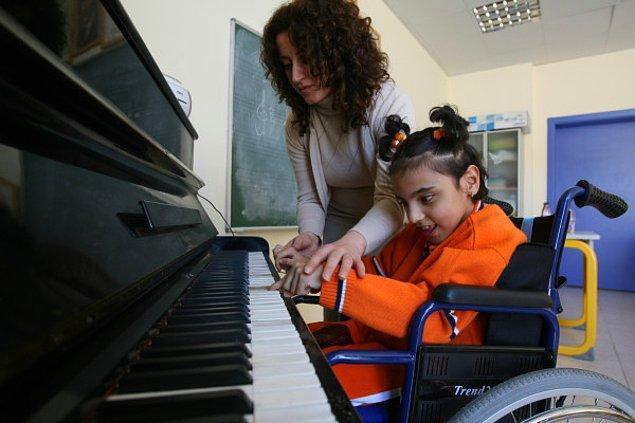 7) Engelli çocuklarımızın eğitim dışına itilmemesi için ne yapmalıyız?