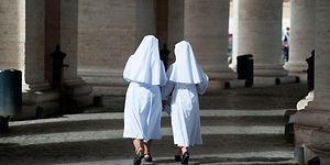 İtalya'da İki Eski Rahibe Evlendi!