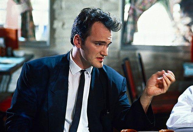 16. Surat hatları neredeyse karikatür gibi, kendisi ise filmlerindeki abartılı karakterlere benziyor. Seksi mi? Evet, Tarantino çok seksi!