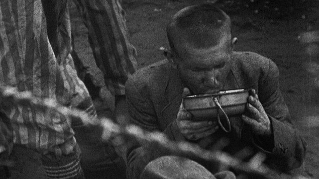 1. Gece ve Sis / Nuit et brouillard (1955)