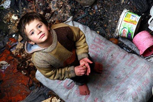 Türkiye'de çocuklar ve ihtiyarlar daha fazla yoksulluk riski altında.