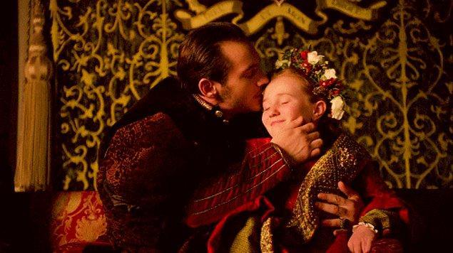 Babanız sizin süper kahramanınız, sizse onun küçük prensesisinizdir.