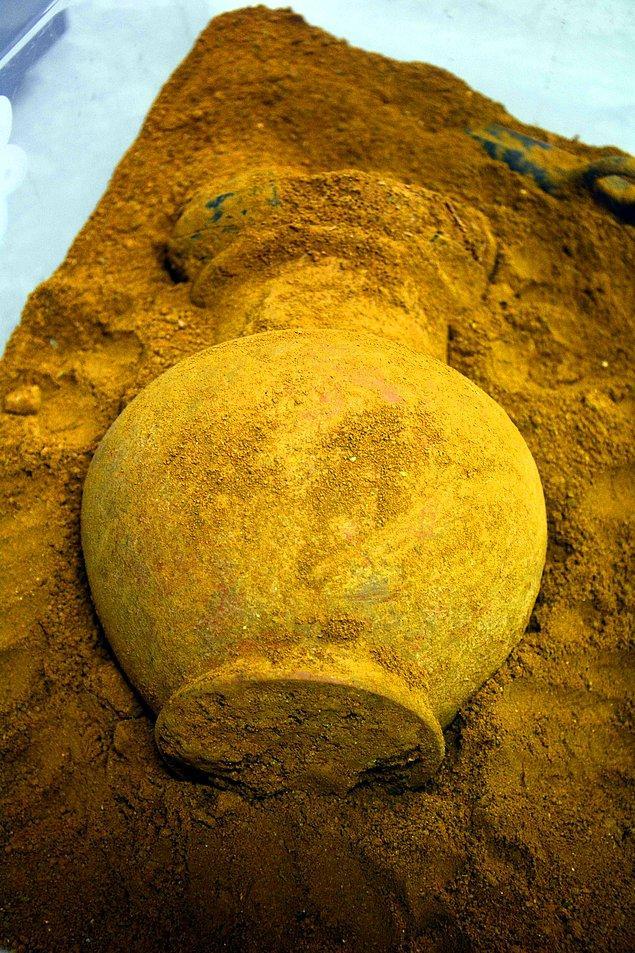 2 bin 400 yıllık korunmuş eserlere ulaştık