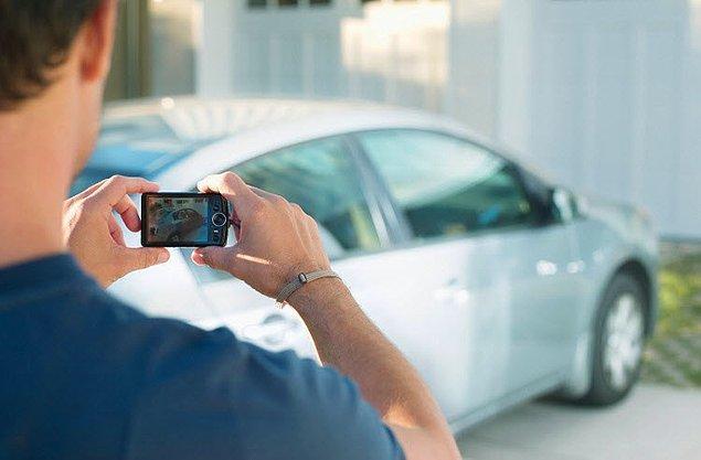 14. Aracınızı otoparka, valeye ya da tamire bırakmadan evvel fotoğrafını çekin. Sonrasında yaşanabilecek anlaşmazlıklar için kanıt niteliğinde olacaktır.
