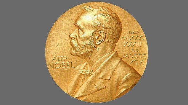 Ödüllerin sahiplerine Alfred Nobel'in ölüm yıl dönümü olan 10 Aralık'ta düzenlenecek törende diploma ve altın madalya verilecek.