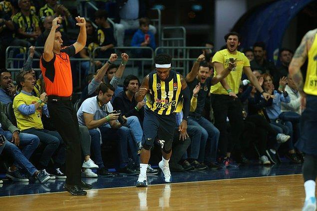 Fenerbahçe, bu galibiyetle Ülker Sports Arena'daki yenilmezlik serisini 22 maça çıkardı