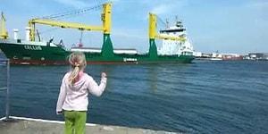 Küçük Kızın İsteğini Kırmayan Koca Yürekli Kaptan